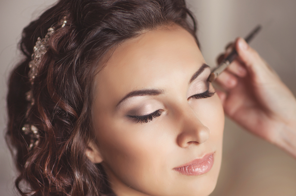 Why London Hair And Makeup Agencies Make A Great Choice For Weddings?